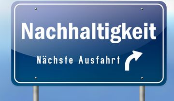 """Autobahnschild """"Nachhaltigkeit - Nächste Ausfahrt"""""""