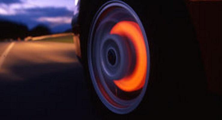 Cadillac braucht 70 Meter Bremsweg