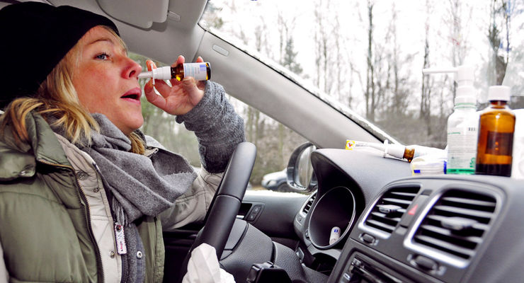 Da blüht wieder was: Nicht alle freuen sich auf den anstehenden Frühling. Zumindest aus dem Auto können die aggressiven Blütenpollen mit einigen Tricks verbannt werden.