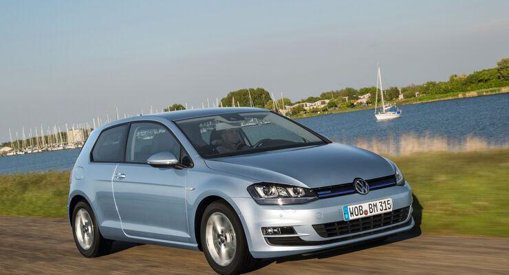 Der VW Golf TDI Bluemotion von vorne