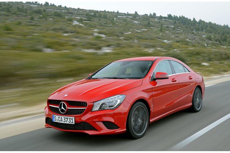 Der neue Mercedes CLA von vorne links