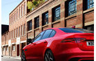 Jaguar XE, Modelljahr 2020, schräg, hinten, links