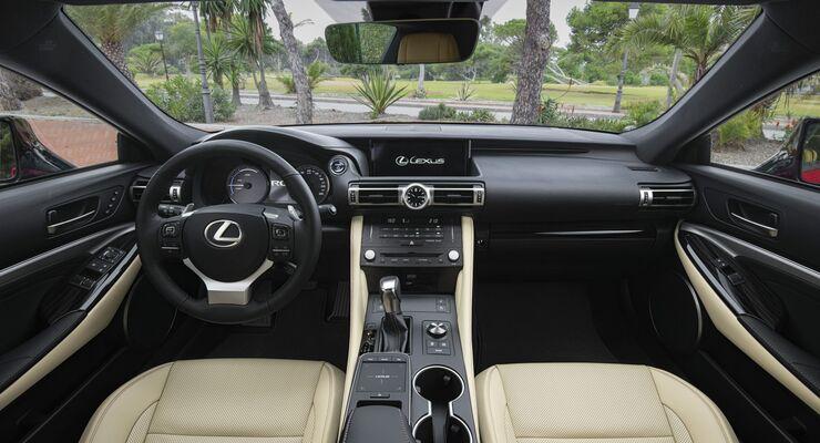 Lexus ES 300h Cockpit