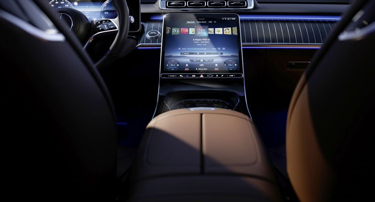 """Meet the S-Class DIGITAL: """"Luxury & Well-Being"""": Persönliche Wohlfühloase: Angenehm reisen und fit bleiben  Meet the S-Class DIGITAL: """"Luxury & Well-Being"""": Personal wellness oasis: Comfortable travel while staying fit"""
