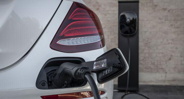 Mercedes E-Klasse 2019, Plug-in Hybrid, Kabel, laden