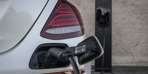 Mercedes E-Klasse 2019, Plug-in Hybrid, Kabel, laden