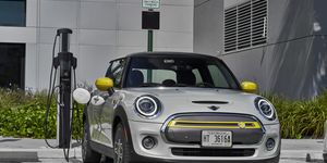 Mini Electric 2020, laden, Ladesäule