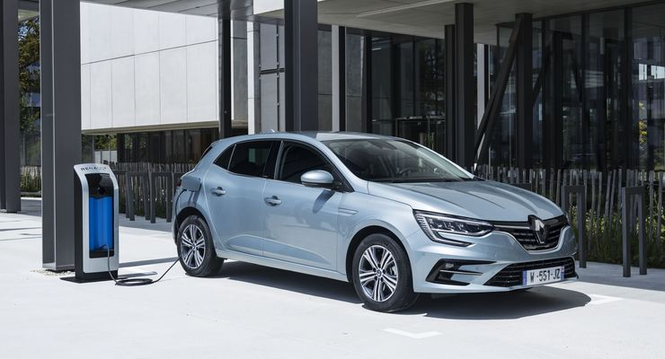 Renault Megane E-Tech Plug-in-Hybrid, laden, Ladesäule