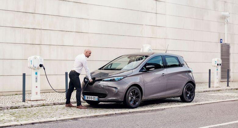 Renault Zoe 2018, Ladesäule, E-Auto, Elektroauto, laden, aufladen