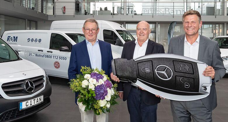 Transporter für Gebäudetechnik: Rund 480 Mercedes-Benz Vans für ROM Techniknull