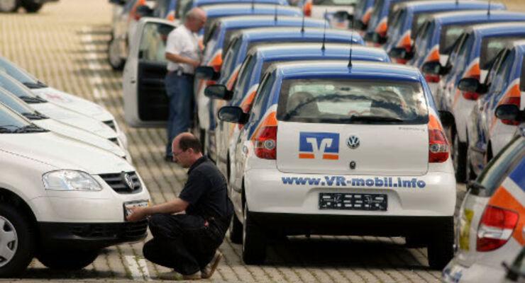 VR Leasing: 57 VW Fox für guten Zweck