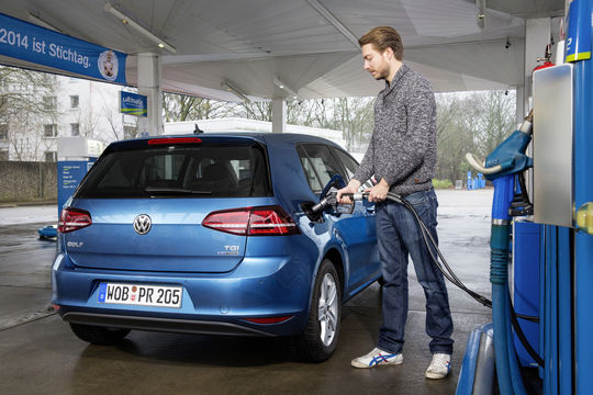 VW Golf TGI Bluemotion